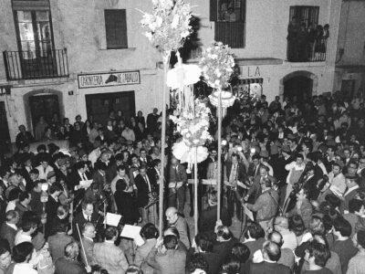 Homenatge al mestre Gabriel Pallarès l'any 1974 | Font: Societat Recreativa El Retiro